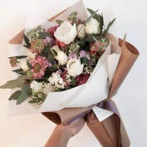 bunga bucket karangan bunga makassar