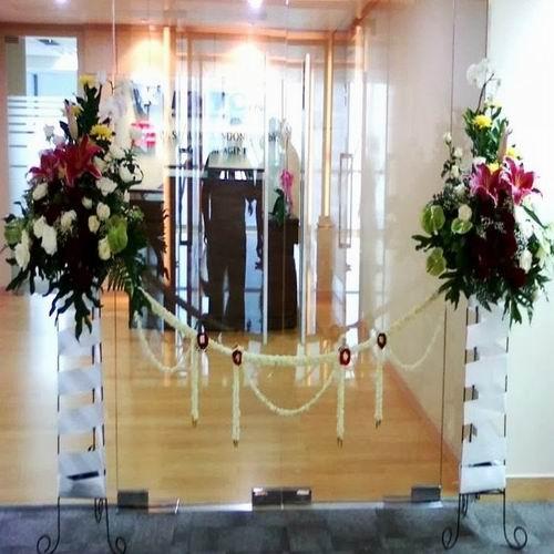 bunga gunting pita karangan bunga makassar